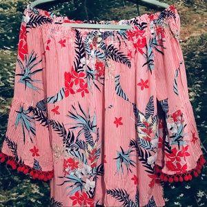 🧚🏼♀️ off the shoulder floral blouse with tassle